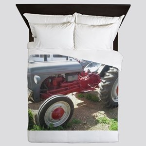 Old Grey Farm Tractor Queen Duvet