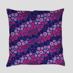 Flowered Daisy Floral Pattern Everyday Pillow