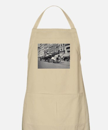 Vintage Horse Drawn Fire Truck (black and wh Apron