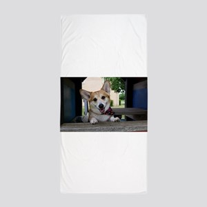 I'm here to make your day better ? Beach Towel