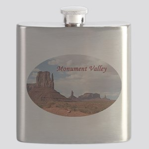 Monument Valley, Utah, USA 3 (oval caption) Flask