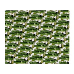 Largemouth Bass Pattern Throw Blanket