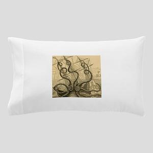 Kraken attack Pillow Case