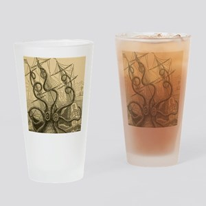 Kraken attack Drinking Glass