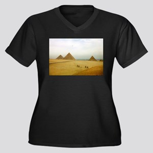 Egyptian Pyramids and Camels, Giza Women's Plus Si