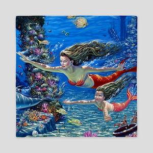 Mermaid And Her Daughter Swimming Queen Duvet
