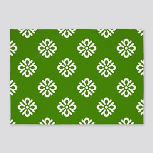 White and Green Damask 5'x7'Area Rug