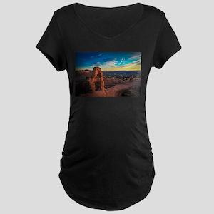 Utah Arches National Park Maternity T-Shirt