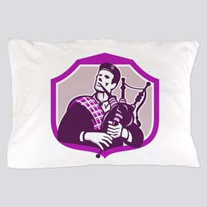 Scotsman Playing Bagpipes Shield Retro Pillow Case