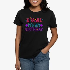 Kiss Me it's My Birthday! Women's Dark T-Shirt