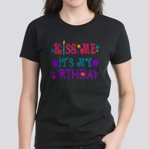 Kiss Me it's My Birthday! Women's Dark T-Shirt