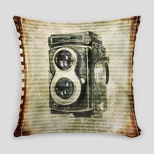 photographer retro camera Everyday Pillow