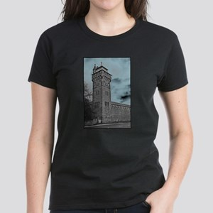 Cardiff Clock Tower - glow 6:9 - T-Shirt