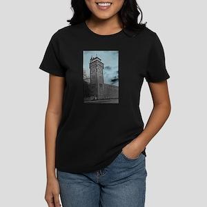 Cardiff Clock Tower - glow 6:9 - T-Shirt