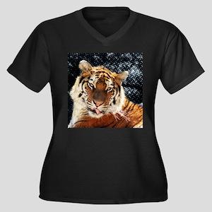 modern tiger Plus Size T-Shirt