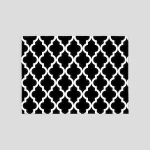 Black: Quatrefoil Moroccan Pattern 5'x7'Area Rug