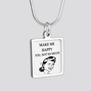 museums Necklaces