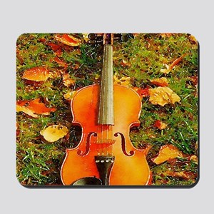 romantic fall leaves violin Mousepad