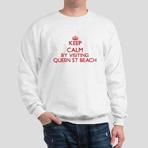 Keep calm by visiting Queen St Beach De Sweatshirt