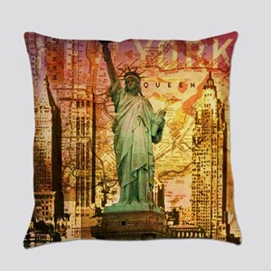 cool statue of liberty Everyday Pillow