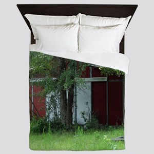 Old Country Red Barn Queen Duvet