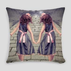 vintage garden twin girls Everyday Pillow