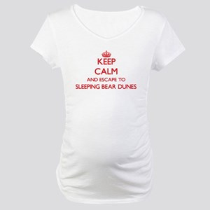 Keep calm and escape to Sleeping Maternity T-Shirt