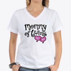 Mommy of Twins 2016 Women's V-Neck T-Shirt