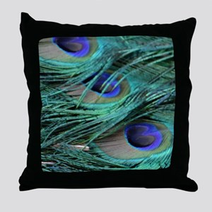 perfect peacock feathers Throw Pillow