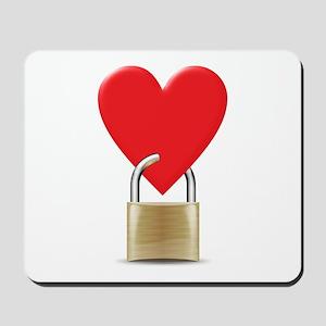 heart padlock Mousepad