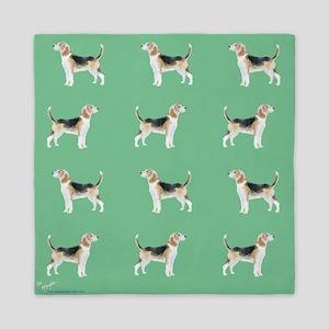 beagles in green Queen Duvet
