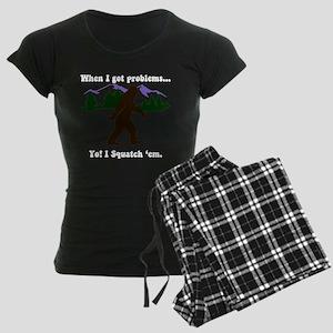 Squatch 'Em Women's Dark Pajamas