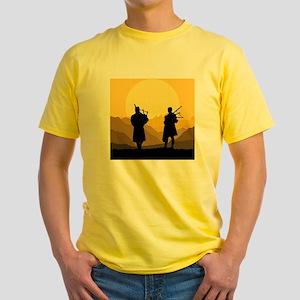 Scottish bagpipe sunset Yellow T-Shirt