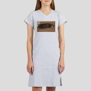 manx sleeping Women's Nightshirt