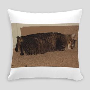 manx sleeping Everyday Pillow