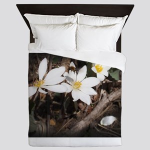 Bee Flying Over Flower Queen Duvet