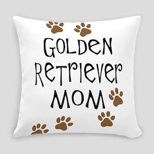 golden retriever mom Everyday Pillow