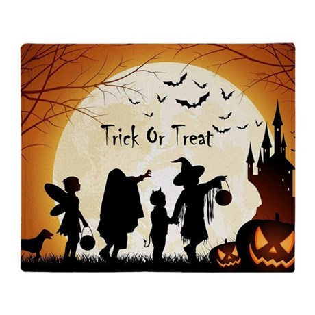 HALLOWEEN TRICK OR TREAT KIDS THROW BLANKET
