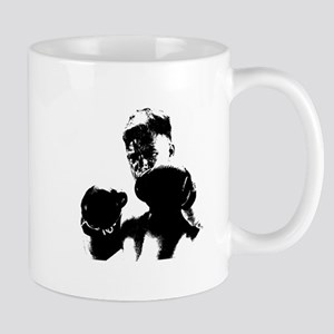 athlete boxing Mugs