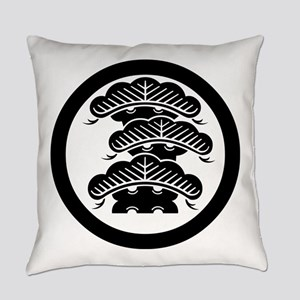 3Fpine with arashi in circle Everyday Pillow