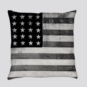American Vintage Flag Black and Wh Everyday Pillow