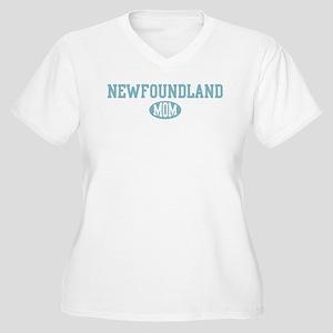 Newfoundland mom Women's Plus Size V-Neck T-Shirt
