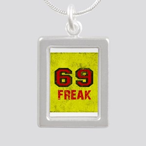 69 FREAK red black yellow vi Necklaces