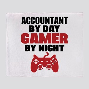 ACCOUNTANT BY DAY GAMER BY NIGHT Throw Blanket