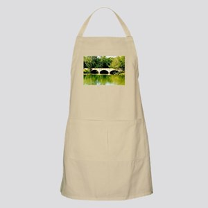 Reflected Images. Apron