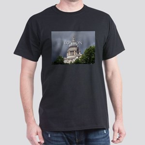 St Paul's Cathedral, London (caption) T-Shirt