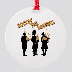 ROCKIN THE BAGPIPES Round Ornament