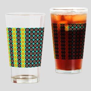 Alternating gearwheels pattern Drinking Glass