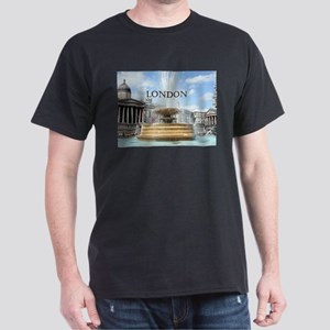 Fountain, Trafalgar Square, London (captio T-Shirt