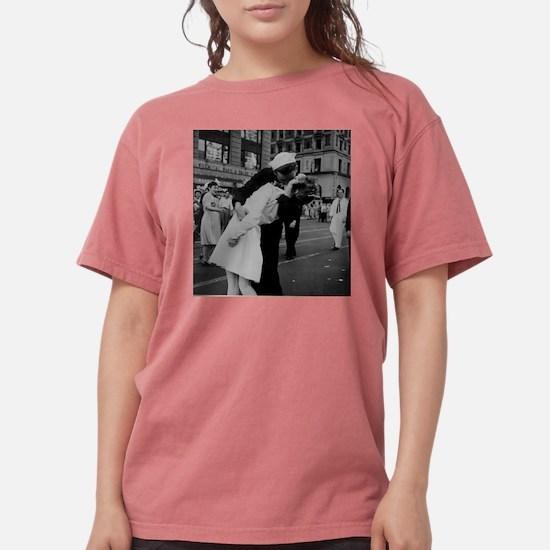 ww2TheKiss T-Shirt
